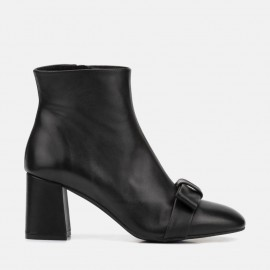 BLACK LEATHER ANKLE BOOT - CARMEN
